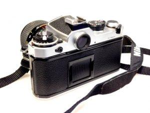 NIKON FE CAMERA+35-70mm f3.5-4.8***